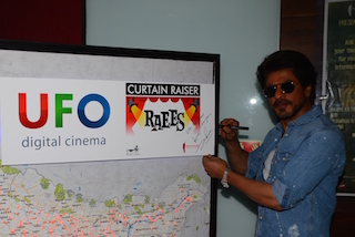 Using UFO Moviez' Curtain Raiser actor Shah Rujh Khan spoke live with his fans across India.